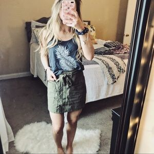Old Navy Tops - Old Navy Pineapple Graphic Tank Top